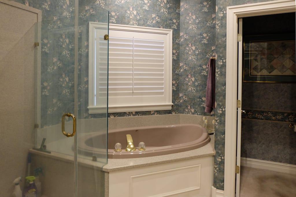 Custom Home Builders Tulsa Master Bath Remodel 17