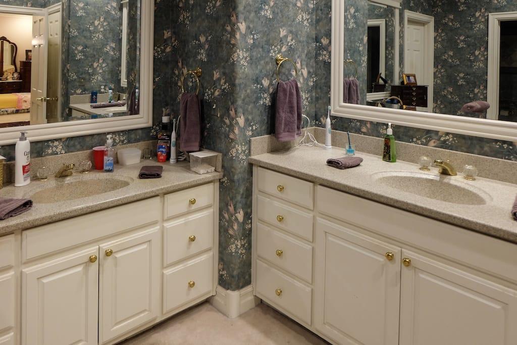 Custom Home Builders Tulsa Master Bath Remodel 19